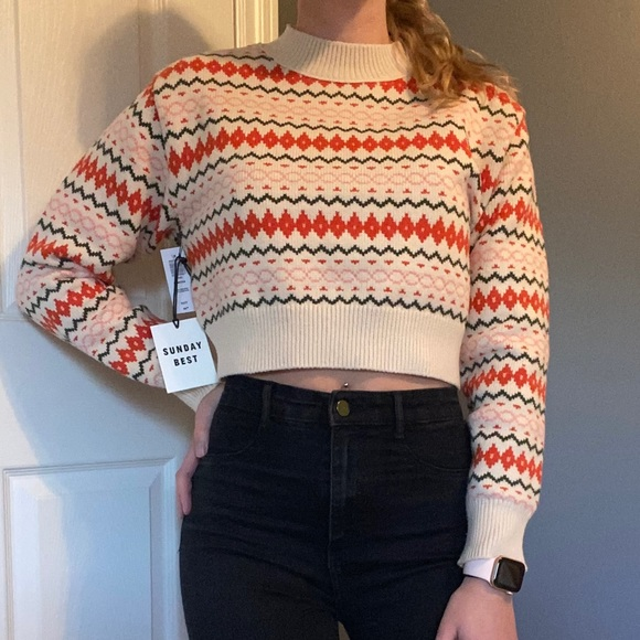 SOLD: Aritzia sweater
